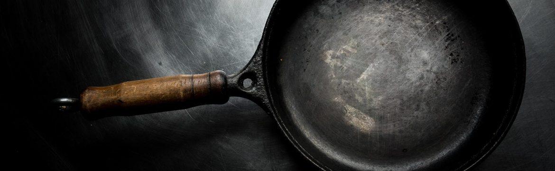 Alte Bratpfanne aus Eisen