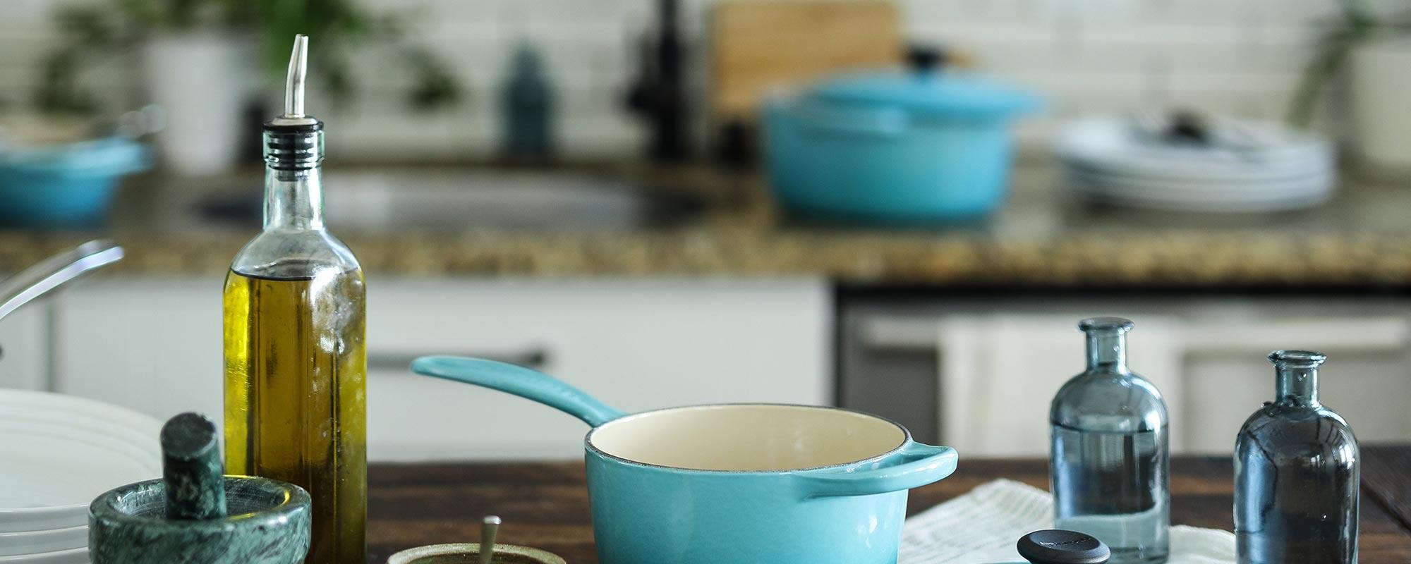 Olivenölflsche in Mediterraner Küche